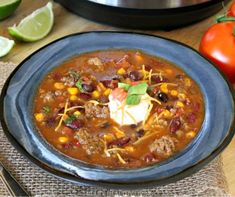 Healthy taco soup is a quick and easy weeknight dinner. This Instant Pot spicy taco soup could not be more delicious. The whole family will love it.they'll have no clue that it's totally Weight Watchers friendly! Healthy Taco Soup, Easy Taco Soup, Healthy Tacos, Ww Recipes, Soup Recipes, Ninja Recipes, Skinny Recipes, Recipes Dinner, Cooker Recipes