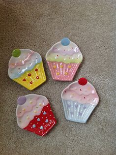 Cupcake Plates Cupcake Kitchen Cupcake Kitchen Decorkitchen Themeskitchen