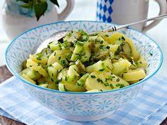 Bayrischer Kartoffelsalat - das Original-Rezept Our basic recipe for Bavarian potato salad is a real Asparagus Soup Vegan, Sauteed Asparagus Recipe, Beef With Broccoli Recipe, Air Fryer Recipes Asparagus, Oven Roasted Asparagus, Healthy Soup Recipes, Original Recipe, Potato Salad, Food