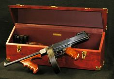 Custom Made Thompson Machine Gun Case Survival Weapons, Weapons Guns, Guns And Ammo, Submachine Gun, Gun Cases, Custom Guns, Assault Rifle, Firearms, Hand Guns