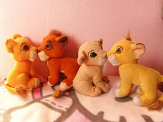 nostalgia How Many Of These Girl Toys Did You Own. We bought the kissing Simba and Nala for a friends birthday party and I remember being so upset because I wanted one too! 90s Childhood, My Childhood Memories, School Memories, Simba And Nala, King Simba, 90s Girl, Le Roi Lion, Hamster, 90s Toys