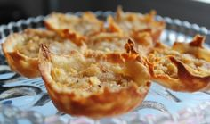 Tiny Apple Pies With Crumble Topping. Photo by Cookgirl