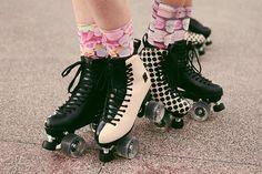 Melissa Oficial Roller Joy - Rio De Jinero London New York European Skates Skating Buy Roller Skates, Outdoor Roller Skates, Retro Roller Skates, Roller Derby Girls, Roller Disco, Mode Kawaii, Skater Girls, Style Vintage, Roller Skating