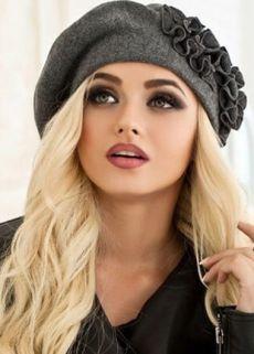 Estilo Beatnik, Summer Hats, Winter Hats, Stylish Hats, Cloche Hat, Cute Hats, Mode Vintage, Girl With Hat, Vintage Hairstyles