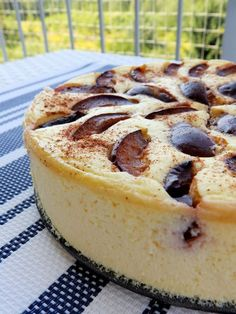 fit sernik Healthy Cake, Healthy Desserts, Delicious Desserts, Sweet Recipes, Cake Recipes, Polish Desserts, Polish Recipes, My Favorite Food, Good Food
