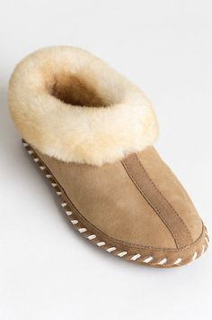 Women's London Australian Merino Sheepskin Slippers Sheepskin Slippers, Sheepskin Boots, Wool Shoes, Leather Slippers, Ugg Style Boots, Warm Winter Boots, Doc Martens Boots, Shearling Boots, Fur Boots