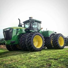 Things that I like: Photo John Deere Equipment, Heavy Equipment, John Deere Combine, Tractor Pictures, Jd Tractors, Modern Agriculture, New Tractor, Engin, Diesel Trucks