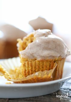 Glazed Pumpkin Doughnut Muffins #donut #pumpkin #muffin #recipe #fallbaking #fallrecipe Savory Pumpkin Recipes, Baked Pumpkin, Pumpkin Foods, Pumpkin Pumpkin, Pumpkin Bread, Soft Pumpkin Cookies, Pumpkin Dessert, Doughnut Muffins, Doughnuts