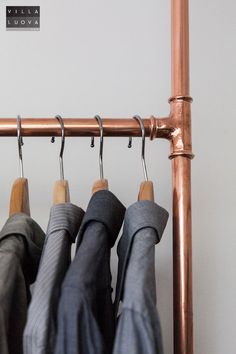 DIY: clothes rack from copper pipe