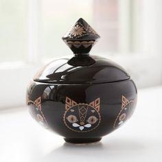 Black cat jar by Klaus Haapaniemi Ceramic Shop, Ceramic Boxes, Ceramic Jars, Traditional Decorative Art, Bowls, Treasure Boxes, China Porcelain, Home Textile, Trinket Boxes