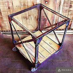 Mesa Rap con vidrio #artesanosenhierro #vintageindustrial #vintage #industrial #craftmade #handmade #blacksmith #metal #wood #table #love #chic #madeinargentina