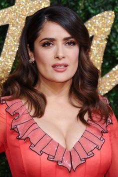 Salma Hayek hot images and Photos. Hollywood, one of the popular actress and director. Salma Hayek biography in short will discuss here. Salma Hayek Images, Salma Hayek Young, Salma Hayek Pictures, Salma Hayek Style, Salma Hayek Body, Beautiful Celebrities, Beautiful Actresses, Gorgeous Women, Beauty Full Girl