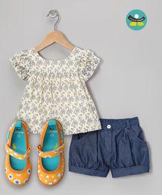 Outfit para un clima fresco o caluroso, usando tus CHOOZE Dance Be Good Orange.