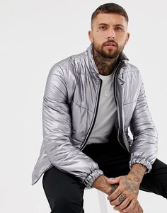 Discover men's spring jackets and lightweight coats with ASOS. Shop the newest styles for Spring 2020 including denim jackets, trench coats, rain jackets, bomber jackets and more. Shearling Jacket, Leather Jacket, Mens Spring Jackets, Metallic Bomber Jacket, Asos Men, Aviator Jackets, Fashion Moda, Men's Fashion, Padded Jacket