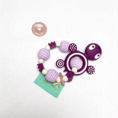 Greifling mit Edelstein und Beissanhänger Rosenquarz Geburtsgeschenk Washer Necklace, Ebay, Bracelets, Jewelry, Pink Quartz, Postage Stamps, Rhinestones, Shopping, Gifts