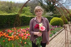 Sarah guides you through the new tulip varieties she is trialling from her most recent trip to the Netherlands (Hortus Bulborum, Keukenhof).