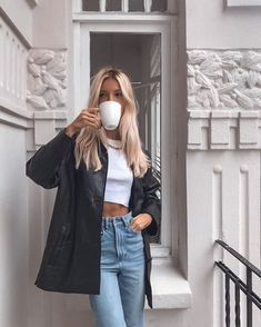 Chill Outfits, Mode Outfits, Jean Outfits, Trendy Outfits, Summer Outfits, Fashion Outfits, Fashion Ideas, Layered Outfits, Winter Outfits