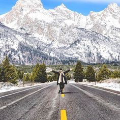 Winter wonderland-ing with @brenherrera in #JacksonHole. LOVE! // Travel Well #TravelFly!