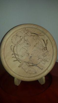 Tagliere in legno pirografato Natura scoiattolo e uccellini  #sanacreazioni #pirografia #handmade #creatività REALIZZO SU COMMISSIONE pagina facebook Sana creazioni