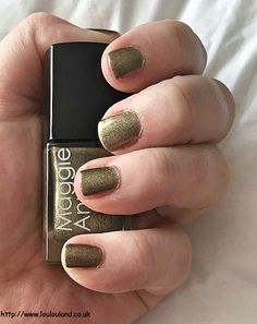 LouLouLand: Maggie Anne Nail Polishes And A Nails Of The Day - Maggie Anne - Carmella