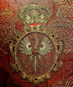 """Detail of chasuble founded by Queen Cecilia Renata of Austria by Anonymous from Poland and Italy, 1644 (PD-art/old), Muzeum Archidiecezji Warszawskiej (MAW); the chasuble, adorned with gold thread bobbin lace, was made from Queen's garments. In 1640s the king's tailor was Jerzy Dortman and also Grygier, Teuber, tailor Jerzy, Jan Praclewicz and seamstress Walentowa from Warsaw's Praga, while Michał Haynysz was """"a court craft tailor"""" from 1640"""