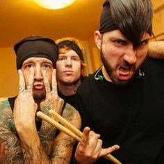 Erm...I don't even know what's going on, and I'm kinda glad that Tino doesn't wear his hear like that all the time.