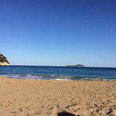 #calasantvicent #beach #ibiza #paradise #goodmoments #friends #travel #girl #live #ibiza2017 #storytelling #nature #naturelovers #naturephotography #travelphotography #instagood #photooftheday #igersibiza #smile #thanks