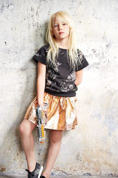 Finger in the Nose | great golden skirt | shiny fashion summer 2015 #kids #fashion