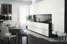 Elégante et discrète, cette cuisine ouverte Ikea disparaît presque dans les murs - Cuisine Ikea Metod : le meilleur du nouveau catalogue - C...