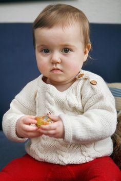 Babybluse med snoninger