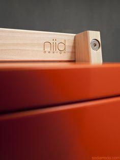 DuexUno | Dettaglio cavalletto in legno massello