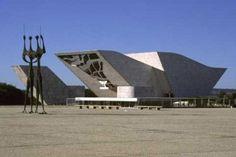 Panteão da Pátria/ Oscar Niemeyer