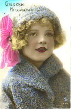 Vintage Postcard ~ Deco Girl @@@@.....@@@@@.....http://www.pinterest.com/pin/396879785884107906/