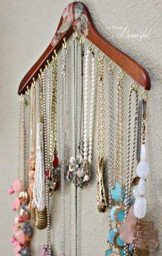 70 Stylish And Easy Jewelry Organization   ComfyDwelling.com #PinoftheDay #stylish #easy #jewelry #organization #ideas