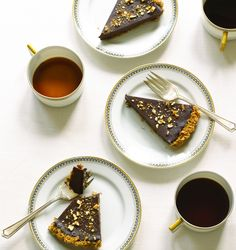 Your last bite before the fast, should be something chocolatey!!  Try this Chocolate Pretzel Tart