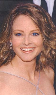 I love this Jodie Foster face. She inspires me to be a better person when thinks seems to be sinking. Jodie Foster, Hollywood Actresses, Actors & Actresses, The Last Movie, British Academy Film Awards, Clint Eastwood, Salma Hayek, Actor Model, American Actress