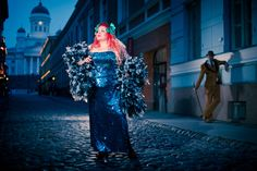 The Blue moment in Hellsinki, Bettie and Frank at Sofiankatu. Burlesque Festival, Helsinki, In This Moment, Blue