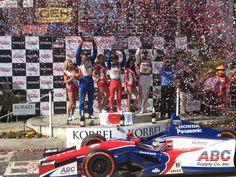 Confetti time at the 39th #TGPLB podium with Takuma Sato, Graham Rahal and Justin Wilson. pic.twitter.com/ZFMfxeMkJT