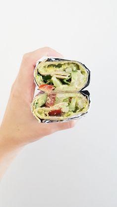 G R E E  I S C H • W R A P Ik vind avocado vooral lekker wanneer ik het eet als een soort quacamole maar dan met niet te veel toeters en bellen. Gewoon heel simpel!