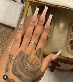 Nude Nails With Glitter, Bling Acrylic Nails, Simple Acrylic Nails, Square Acrylic Nails, Best Acrylic Nails, Rhinestone Nails, Bling Nails, Simple Nails, Swag Nails