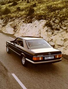 Comfort at his best Starring: Mercedes-Benz 380SEC (by Auto Clasico)