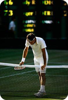 Roger Federer Photos Photos: The Championship - Wimbledon 2009 Day Thirteen Roger Federer, Federer Wimbledon, Wimbledon Tennis, Wimbledon 2015, Tennis Pictures, Skate, Tennis Legends, Tennis World, Tennis Championships