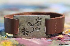 Vintage 1980s Pewter & Genuine Leather Daisy Flower Hippie ID Style Adjustable Bracelet