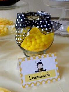 Bee Baby Shower ~ Baby Shower de Abejorro Could use small mason jars with lemonheads and burlap ribbon as favors Baby Shower Themes, Baby Shower Decorations, Shower Baby, Bee Decorations, Shower Ideas, Bumble Bee Birthday, Baby Gender Reveal Party, Bee Gender Reveal, Sunflower Baby Showers