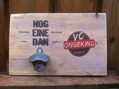 Bieropener met eigen tekst op steigerhout  Stoer mannen cadeau