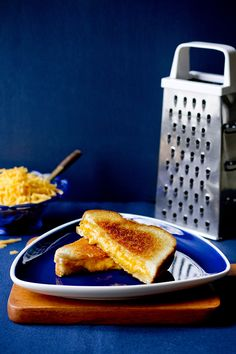 There is a secret to the perfect grilled cheese Breakfast Recipes, Snack Recipes, Cooking Recipes, Perfect Grilled Cheese, Hangover Food, Grill Cheese Sandwich Recipes, Homemade Mayonnaise, Delicious Sandwiches, Best Sandwich