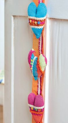 Hanging Heart Knitting Pattern : Knitting Ideas on Pinterest Free Knitting, Knitting ...