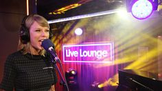 """Taylor Swift surprised fans by covering Vance Joy's """"Riptide"""" when she headed into Radio 1 to see Fearne Cotton on Thursday morning."""