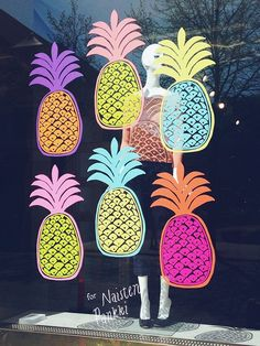 pineapple display Shop window display by Erja Hirvi Window Signs, Window Art, Window Decals, Cafe Window, Retail Windows, Store Windows, Shop Window Displays, Store Displays, Summer Window Displays