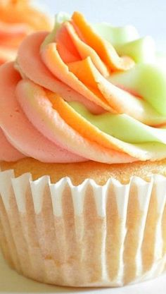 Rainbow Sherbet Cupcakes Recipe ~  taste exactly like rainbow sherbet.
